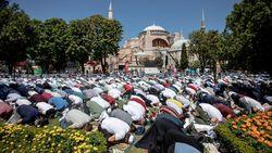 Hubungan Turki-Yunani Memanas Gegara Hagia Sophia Jadi Masjid