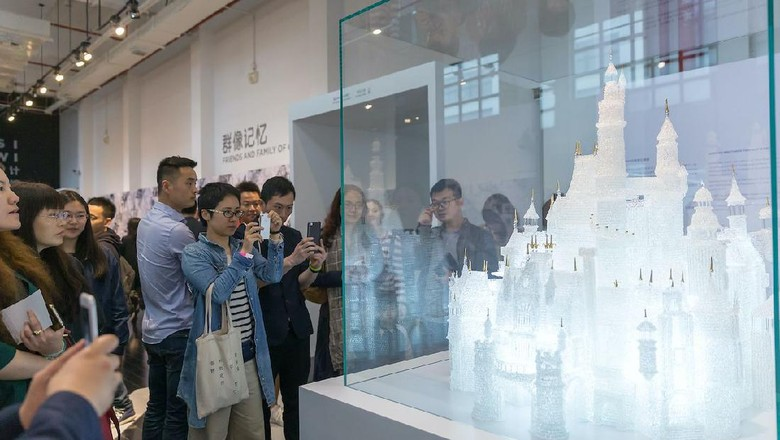 Kastil Disney di Shanghai Museum of Glass