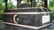 Potret Makam Raja Singapura Terakhir
