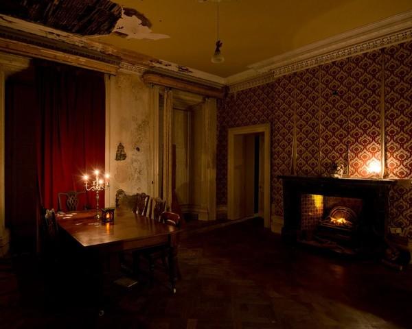 Kemudian kastil berganti nama dan dikenal sebagai Loftus Hall setelah diberikan kepada keluarga Loftus sebagai bagian dari penaklukan Cromwellian. Bangunan yang ada saat ini direnovasi besar-besaran antara tahun 1872 dan 1879 oleh Marquess of Ely yang keempat, John Wellington Graham Loftus. (Loftus Hall)