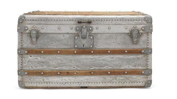 Louis Vuitton Aluminium Explorer Trunk (foto: christie's)
