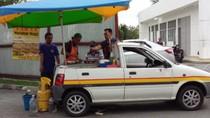 Kreatif! Penjual Ini Ubah Mobil Mini Jadi Food Truck Martabak