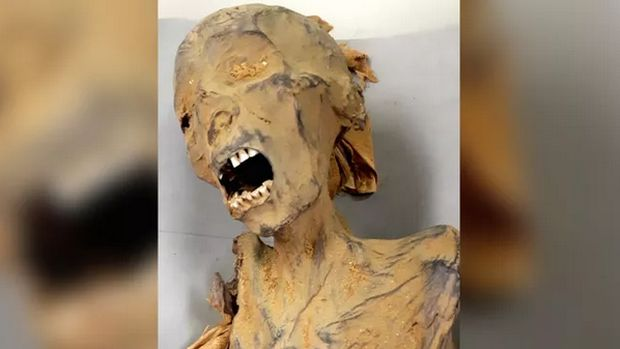 'Screaming Mummy' yang meninggal dengan keadaan mulut terbuka lebar.