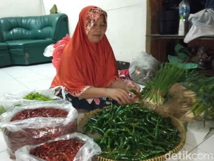pedagang pasar keputran beralih kulakan di pasar porong dan wonokromo