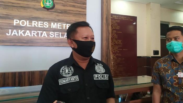 Polisi Buru 2 Pembobol Mobil Isi Cek Rp 43 M di Kemang yang Terekam CCTV