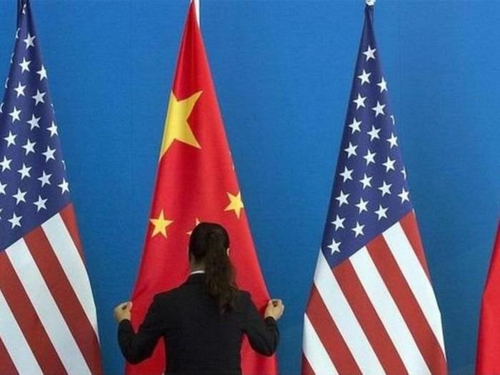 Tensi AS-China meninggi, AS menahan tiga orang ilmuwan militer China terkait kecurangan visa
