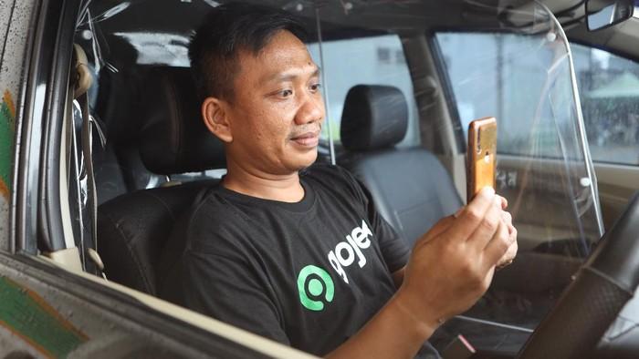 Gojek berupaya meningkatkan keamanan lewat fitur verifikasi muka mitra driver yang berfungsi melakukan verifikasi identitas mitra sebelum menerima pesanan pelanggan.