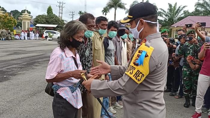 Polisi menggandeng Suku Anak Dalam untuk mencegah karhutla di Jambi