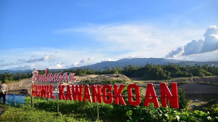 Kementerian Pekerjaan Umum dan Perumahan Rakyat (PUPR) tengah menyelesaikan pembangunan Bendungan Kuwil Kawangkoan di Kabupaten Minahasa Utara, Provinsi Sulawesi Utara.