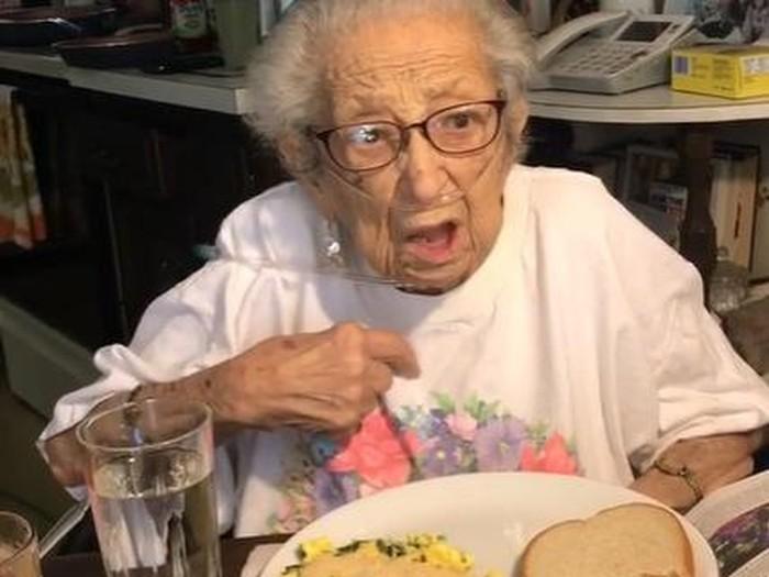 Rahasia nenek panjang umur pakai bawang putih
