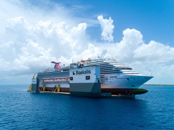 MenurutWikipedia,BOKAVanguard sebelumnya bernamaDockwiseVanguard. Kapal ini memiliki dek rata berukuran 70 x 275 meter, kargo lebih panjang dan lebih lebar dari geladak bisadiangkutnya.
