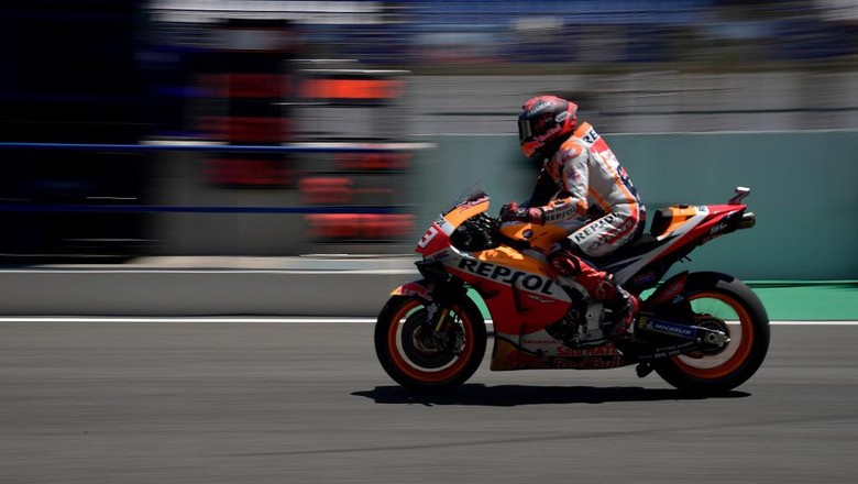 Repsol Honda Teams Spanish rider Marc Marquez takes part in the fourth MotoGP free practice session of the Andalucia Grand Prix at the Jerez race track in Jerez de la Frontera on July 25, 2020. (Photo by JAVIER SORIANO / AFP)