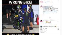 Lucu, Vinales Minta Maaf Insiden Nyaris Salah Naik Motor Rossi