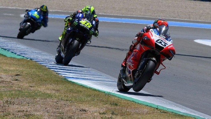 JEREZ DE LA FRONTERA, SPAIN - JULY 25: Francesco Bagnaia of Italy and Pramac Racing  leads the field during the MotoGP of Andalucia - Qualifying at Circuito de Jerez on July 25, 2020 in Jerez de la Frontera, Spain. (Photo by Mirco Lazzari gp/Getty Images)