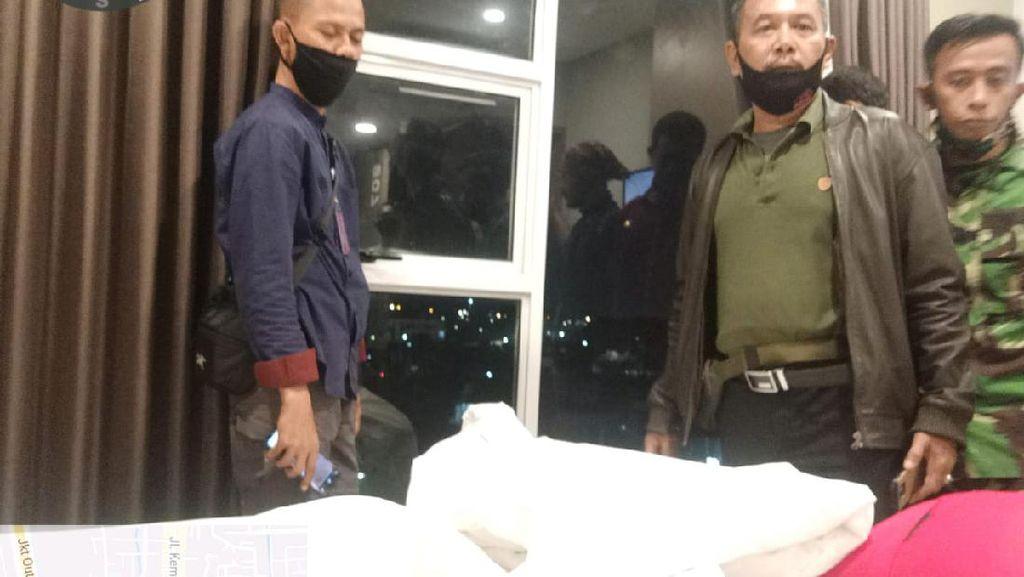 Sebelum Digerebek, Aksi Pasangan Mesum di RedDoorz Jadi Tontonan Warga