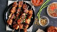 Catat 5 Mitos Sate Kambing Sebelum Kalap Makan Saat Idul Adha