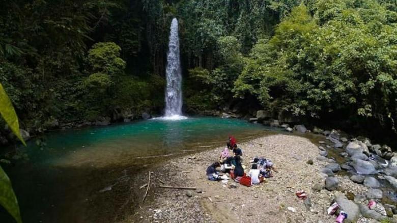 Air Terjun Way Lalaan  di Lampung