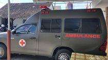 Ambulans Disiapkan untuk Pengangkat Jenazah Pahlawan Revolusi yang Sakit