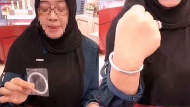 Wanita didenda ratusan juta rupiah karena promosikan gelang anti Corona.