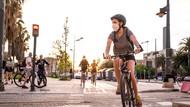 Ingat! Pesepeda Dilarang Berjajar di Jalan Lebih dari 2 Baris