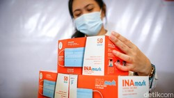 PT Indofarma Tbk meluncurkan enam alat kesehatan baru. Alat kesehatan itu diantaranya masker hingga mesin untuk cuci darah.