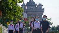 Pada 18 Mei 2020, sebuah sekolah umum di Vientiene Lycée de Vientiane menyambut kembali 900 siswa. Setelah sekolah ditutup selama 2 bulan, tanpa ada laporan kasus baru sekolah kembali dibuka secara bertahap.