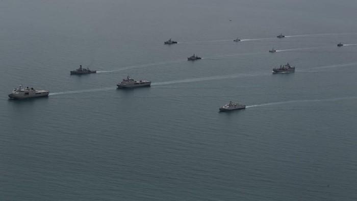 Latihan perang TNI AL