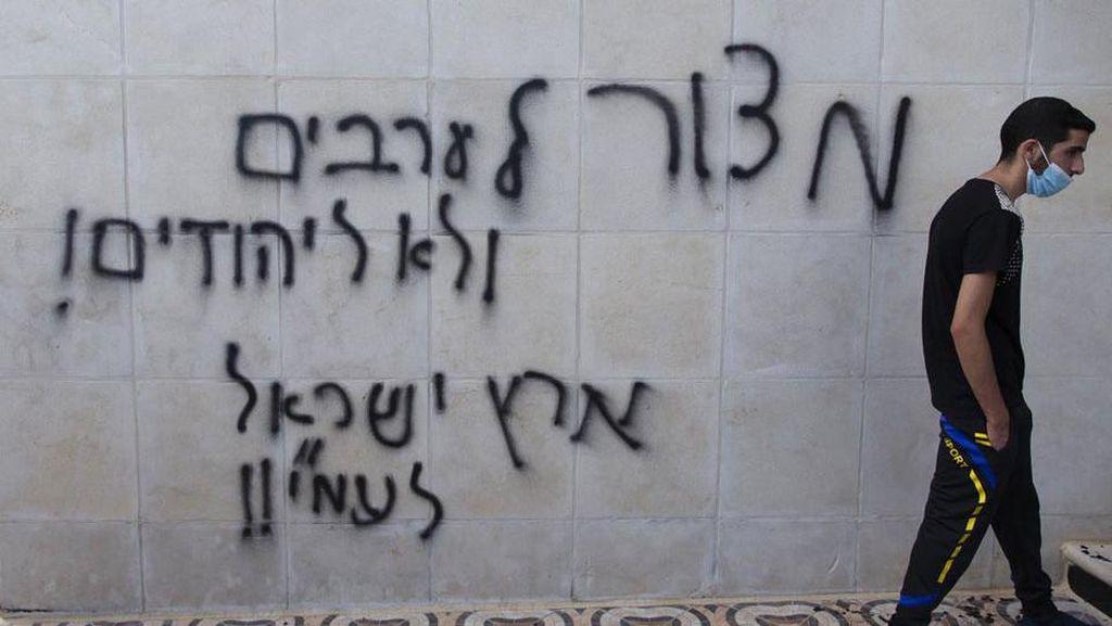 Masjid di Palestina Jadi Sasaran Pembakaran dan Vandalisme