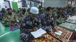 Mengintip Aktivitas Pasukan TNI AL di KRI Semarang