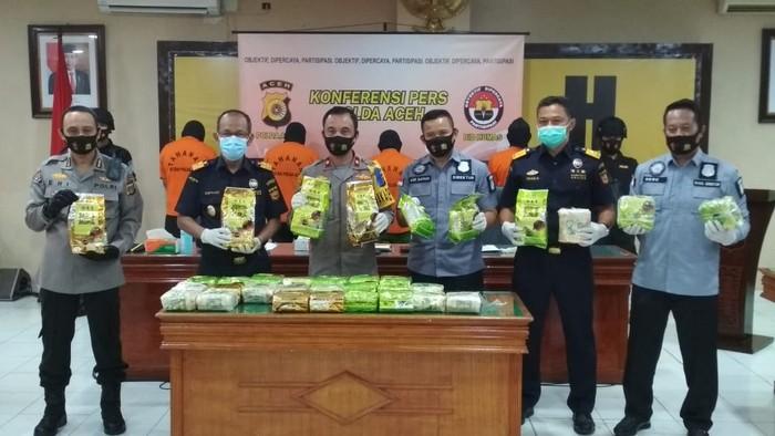 Polisi tangkap 4 penyelundup 33 Kg sabu di Aceh (Agus-detikcom)