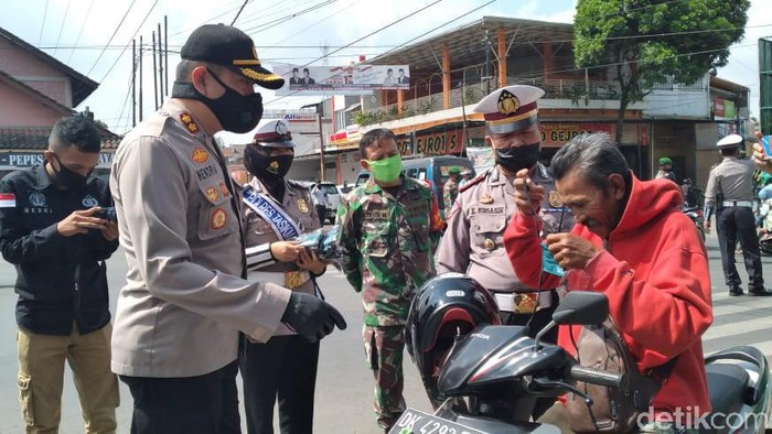 Razia Masker di Tasikamlaya