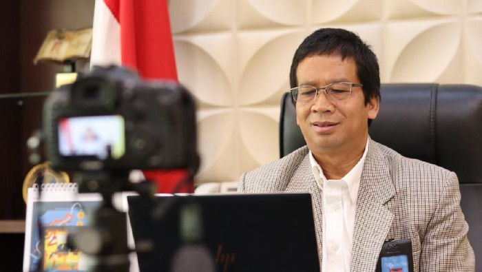 Rektor UNS Jamal Wiwoho