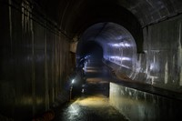 Drainase atau terowongan air ini memiliki ketinggian setara dua bus tingkat. Drainase ini yang menyelamatkan kota Hong Kong beberapa dekade lalu dari terjangan banjir yang secara rutin menelan korban jiwa dan menyebabkan kerusakan.