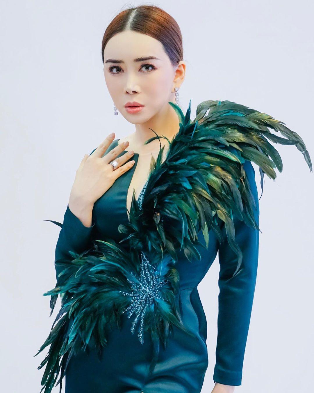 Anne Jakkaphong Jakrajutathip