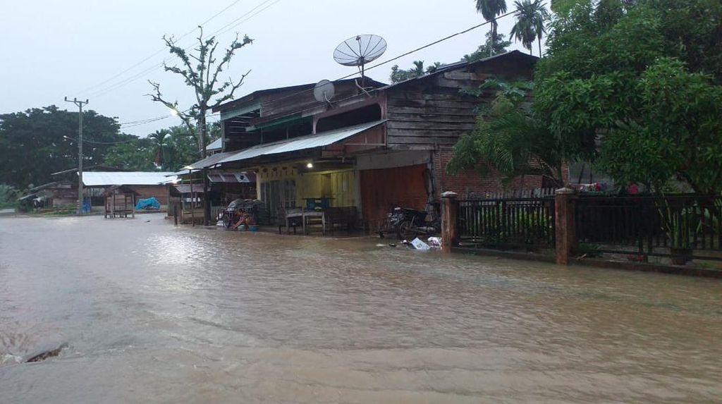 Banjir Surut, Pengungsi di Aceh Jaya Kembali ke Rumah