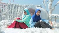 Ada tempat wisata baru yang ada di wilayah Lamongan Selatan, yaitu Gondang Snow Island (GSI). Di sini kamu bisa berwisata dan berfoto dengan latar salju. (Eko Sudjarwo/detikcom)