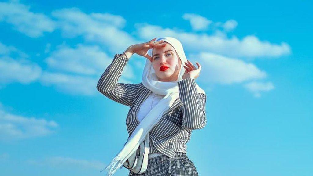 Foto: Hijabers Cantik Mesir yang Dipenjara 2 Tahun Gara-gara Main TikTok