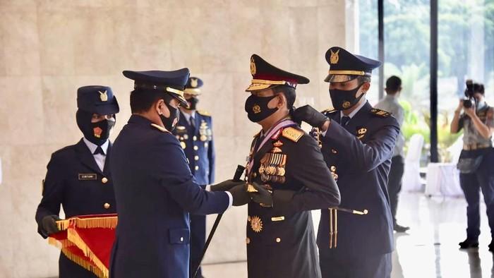 Kapolri Terima Anugerah Bintang Kehormatan dari 3 Matra TNI