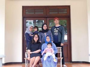 Kisah Sedih Wanita Surabaya yang Ayah, Ibu dan Kakak Meninggal karena Corona