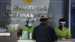 Panti pijat Rumah Bugar Wyata Guna di Bandung kembali dibuka untuk umum. Sejumlah protokol kesehatan pun diterapkan dengan ketat di panti pijat tunanetra itu.