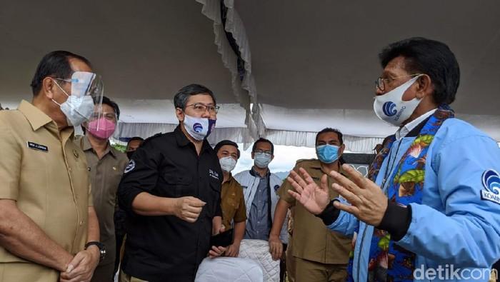 Menkominfo Johnny G Plate melakukan kunjungan kerja ke Sulawesi Utara, salah satunya meninjau calon lokasi Pusat Data Center Nasional di Bitung.