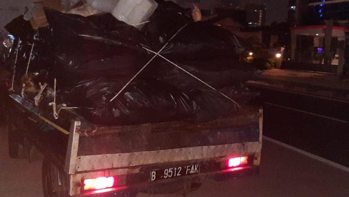 Pembuang sampah di JLNT Antasari (ANTARA/HO-Kominfotik Jakarta Selatan)