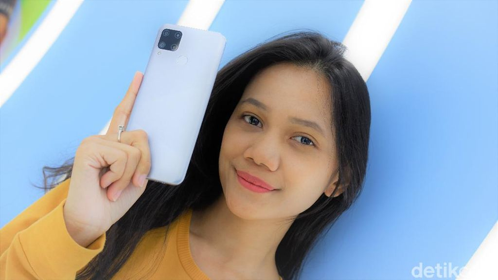 Unboxing Realme C15, Bawa Baterai 6.000 mAh Harga Rp 1.899.000