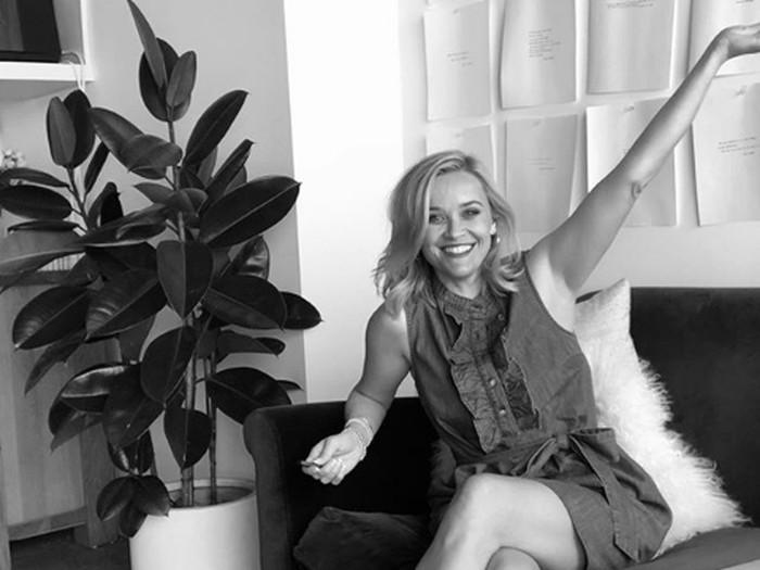 Reese Witherspoon ikut tantangan #womensupportwomen.