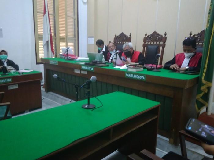 Sidang kasus penyobekan-pembuangan lembaran Al-Quran di Medan (Datuk Haris-detikcom)