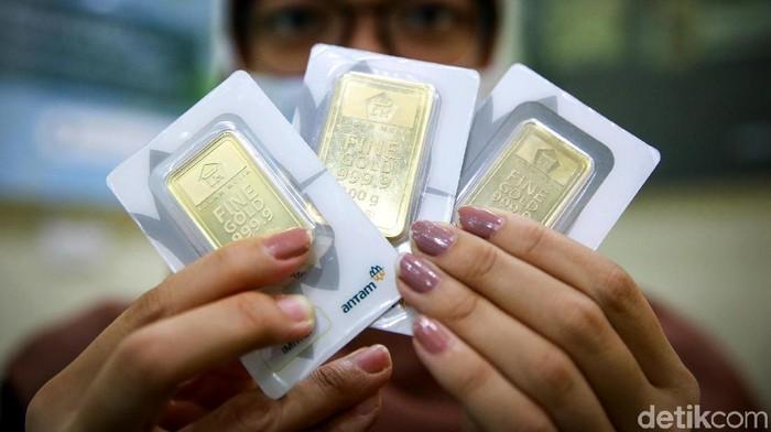 Harga emas terus merangkak naik. Hari ini, harga emas Antam bahkan tembus Rp 1 juta. Pergerakan harga emas ini pun diperkirakan masih akan mengalami kenaikan.