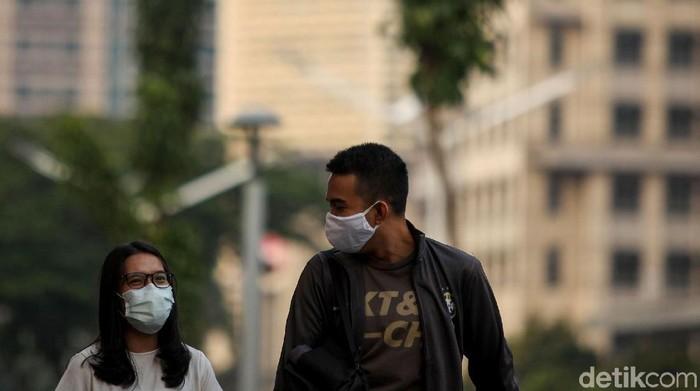 Kasus Corona di Indonesia masih jadi sorotan. Dinkes Provinsi DKI Jakarta pun membenarkan data yang tampilkan 68 perkantoran di DKI jadi klaster virus Corona.