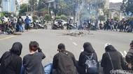 Puluhan Mahasiswa Demo Minta UKT Diturunkan, Ini Penjelasan Unair