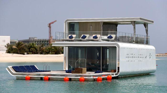The Floating Seahorse Villa atau villa terapung di Dubai telah menarik perhatian masyarakat dunia. Villa unik itu direncanakan akan dibuka pada akhir tahun 2020