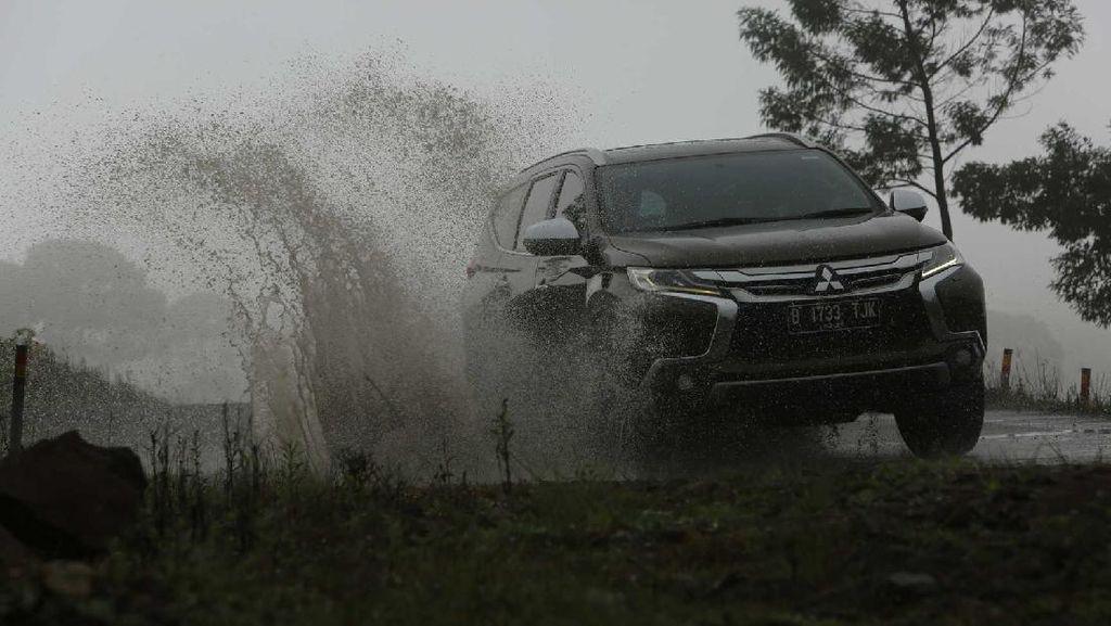 Sewa Mitsubishi Pajero di Raja Ampat Rp 1,5 Juta per 12 Jam, Mobil Lainnya?